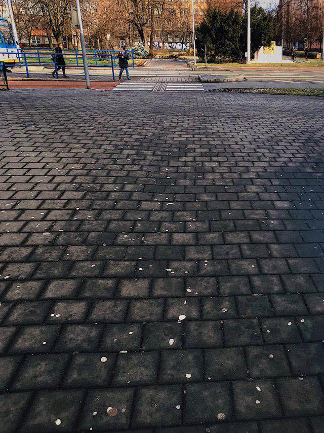 Gumy do żucia miejski problem lawki-parkowe.com
