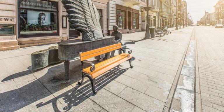 solidna żeliwna ławka miejska